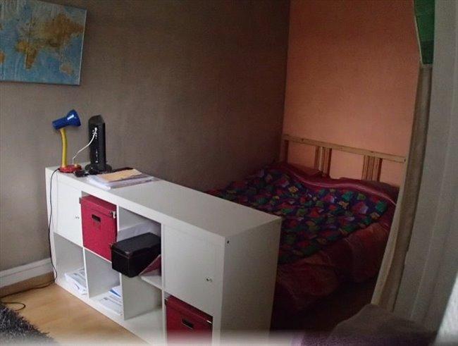 colocation paris ile de france chambre chez l 39 habitant appartager. Black Bedroom Furniture Sets. Home Design Ideas