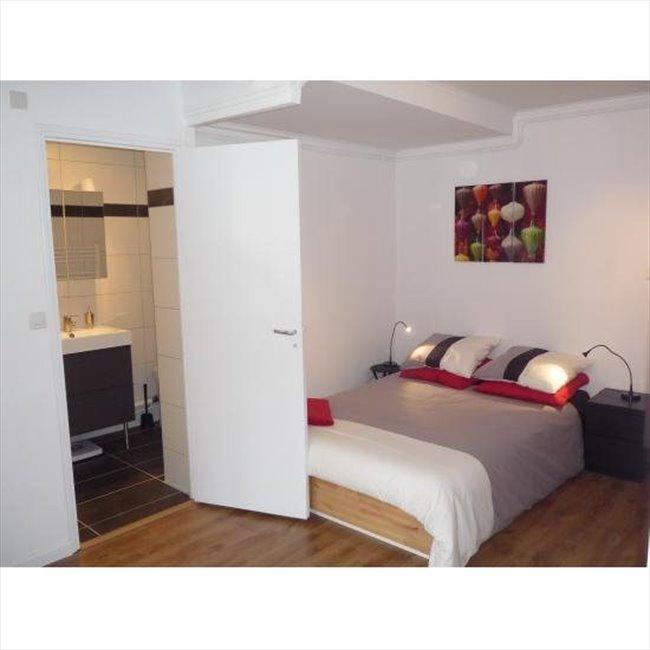 colocation 17 me arrondissement colocation meubl e m tro villiers appartager. Black Bedroom Furniture Sets. Home Design Ideas