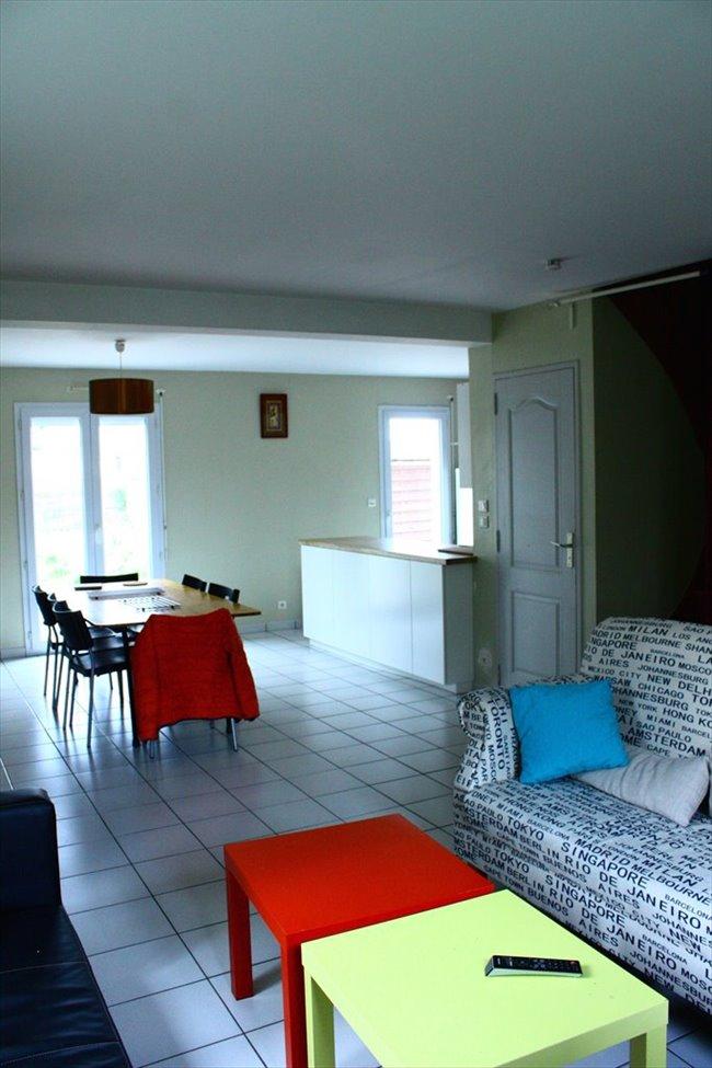 colocation les sorini res chambre meubl e pour jeune actif stagiaire et tudiant courte ou. Black Bedroom Furniture Sets. Home Design Ideas