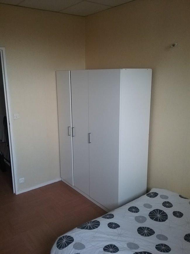 colocation caen chambre louer appartager. Black Bedroom Furniture Sets. Home Design Ideas