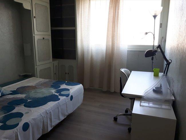 colocation sceaux colocation etudiant meubl e rer b bourg la reine sceaux appartager. Black Bedroom Furniture Sets. Home Design Ideas