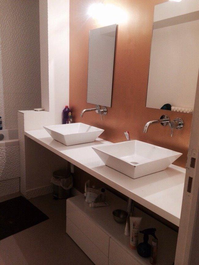 colocation versailles colocation chambre meubl e appartager. Black Bedroom Furniture Sets. Home Design Ideas
