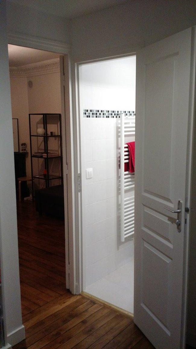 colocation 18 me arrondissement colocation chambre meubl e lamarck caulaincourt appartager. Black Bedroom Furniture Sets. Home Design Ideas