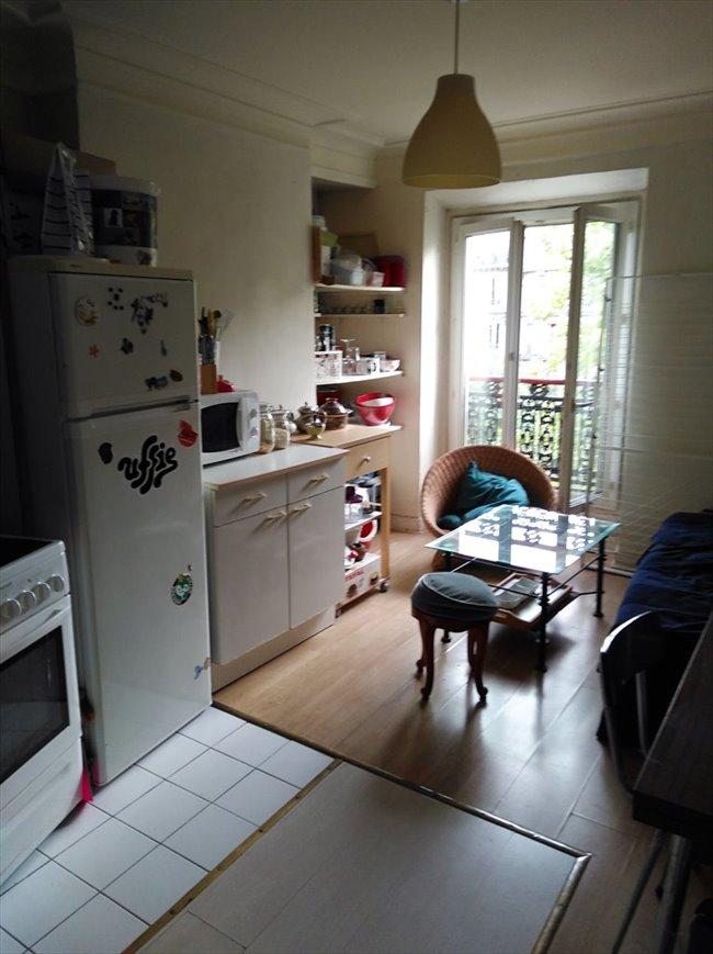 colocation 10 me arrondissement chambre meubl e 13m2 r publique appartager. Black Bedroom Furniture Sets. Home Design Ideas