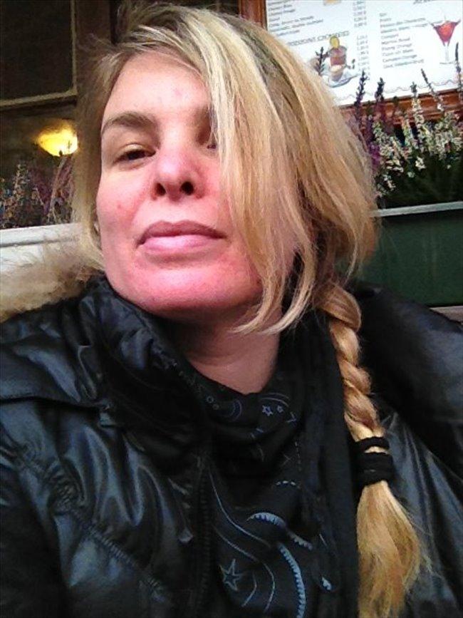 Femme cherche colocation marseille