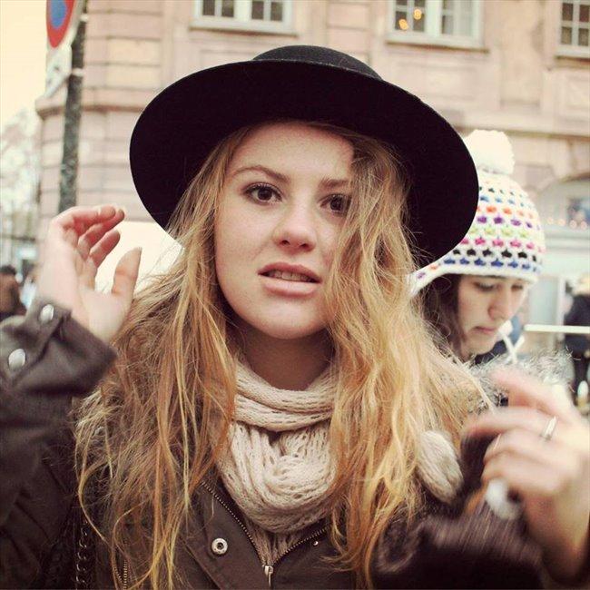 Elise - Etudiant - Femme - Avignon - Image 1
