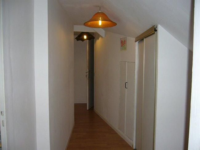 Chambre meublée dans pavillon Entrée indépendante - Beaucouzé, Angers Périphérie - Image 2