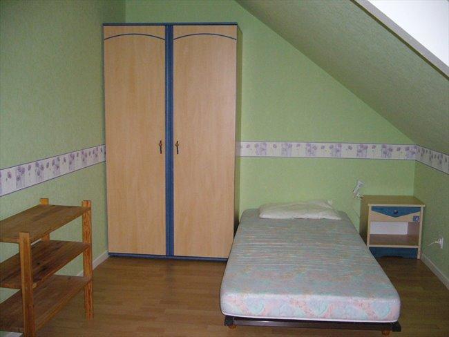 Chambre meublée dans pavillon Entrée indépendante - Beaucouzé, Angers Périphérie - Image 6
