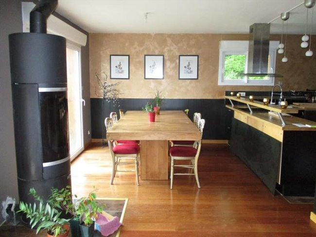 particulier loue 3 chambres meubl es r gion etampes saclas. Black Bedroom Furniture Sets. Home Design Ideas