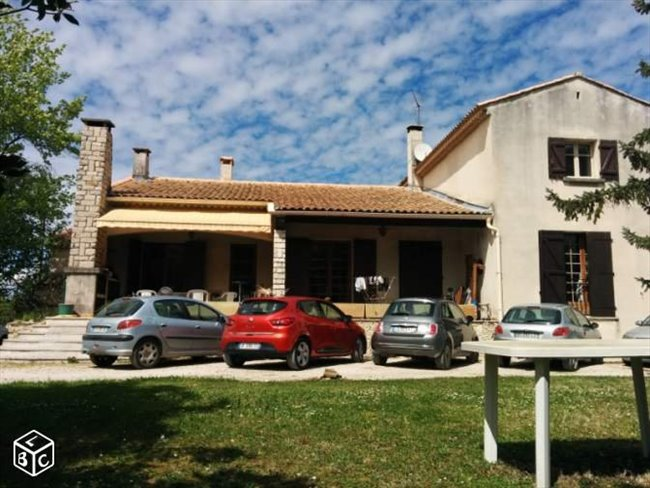 Colocation aix en provence grande chambre dans maison avec jardin appartager - Maison jardin toulouse aixen provence ...