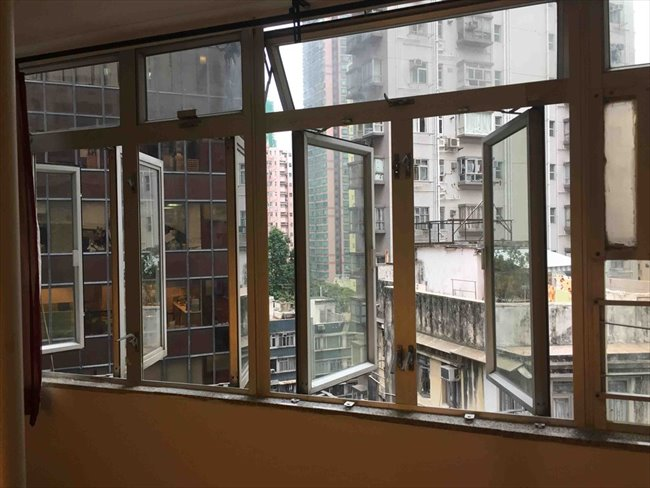 Roomshare - Sheung Wan -  $5900 Nice big, newly decorated room in Sheung Wan (Sheung Wan)  | EasyRoommate - Image 2