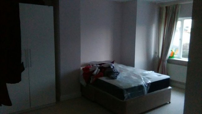 Room to rent in Cork - Double bedroom available - Image 2