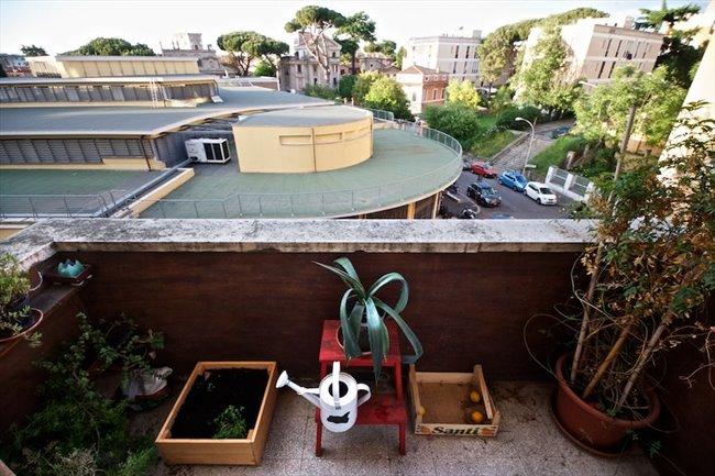 Stanze in Affitto - Marconi-Ostiense - Garbatella affitto camera con balcone | EasyStanza - Image 1