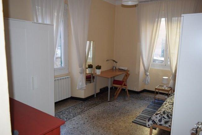 Stanze in Affitto - Genova - Vicino Università Via Balbi, No Centro Storico, solo studentesse. | EasyStanza - Image 1