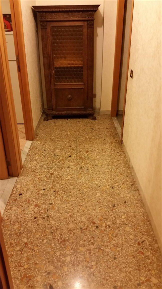 Stanze in Affitto - Don Bosco-Cinecitta' - AFFITTO CAMERA AMMOBILIATA IN APPERTAMENTO | EasyStanza - Image 2