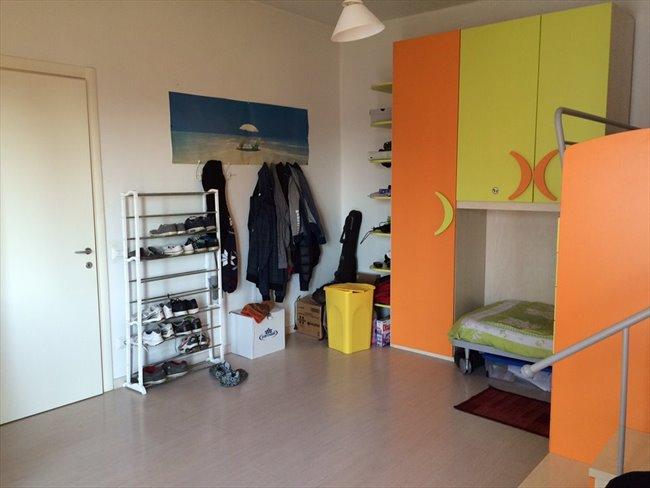 Stanze e posti letto in affitto bergamo due camere for Stanza affitto bergamo