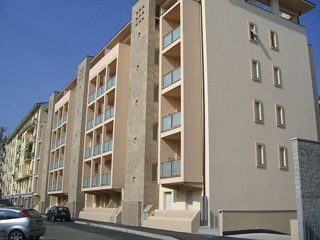Stanze e Posti Letto in Affitto - Firenze - Ampia e luminosa camera singola a 150 m da Università Novoli | EasyStanza - Image 7
