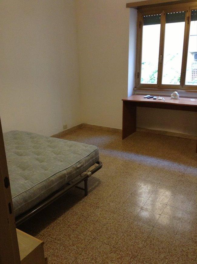 Stanze e posti letto in affitto don bosco cinecitta for Affitto stanza ufficio roma tuscolana