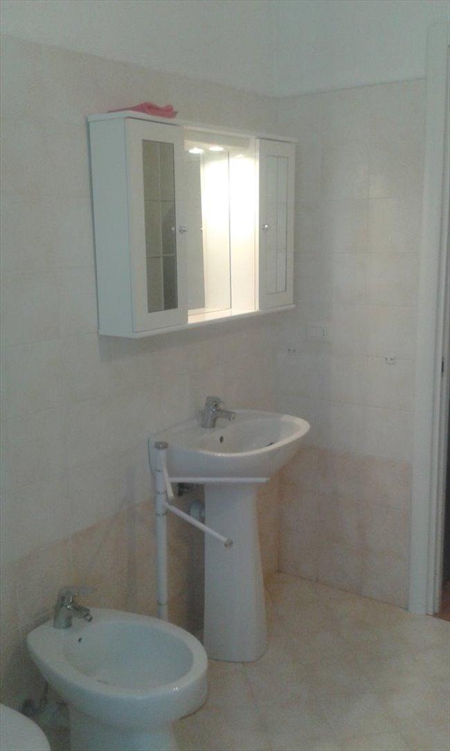Stanze e posti letto in affitto saronno stanza singola con bagno privato easystanza - Singola con bagno privato milano ...