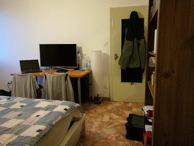 Stanze e posti letto in affitto bologna ampia stanza for Affitto stanza bologna