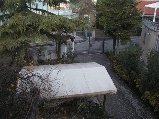 Stanze in Affitto - Rimini - 1 CAMERA  - euro 280 | EasyStanza - Image 1