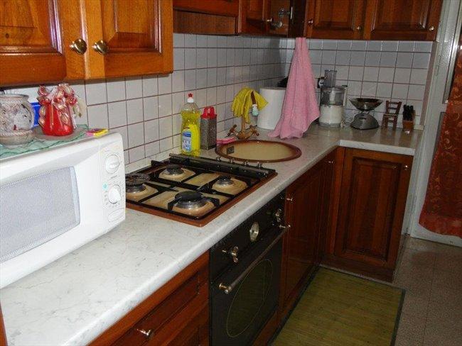 Stanze in Affitto - Verona - Bel appartamento | EasyStanza - Image 3