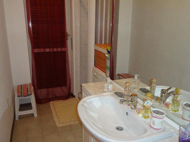 Stanze in Affitto - Verona - Bel appartamento | EasyStanza - Image 5