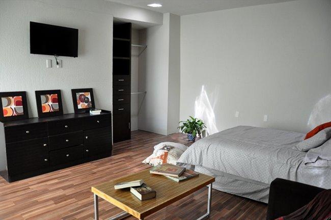 Cuartos en Renta - Querétaro - Ahora  reforma 110 cuartos con baño propio | CompartoDepa - Image 2