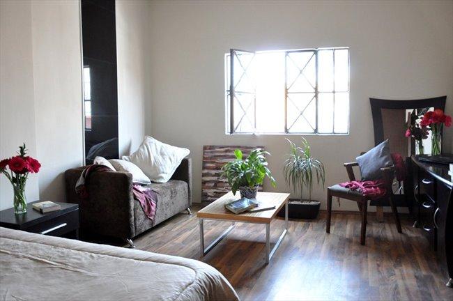 Cuartos en Renta - Querétaro - Ahora  reforma 110 cuartos con baño propio | CompartoDepa - Image 3