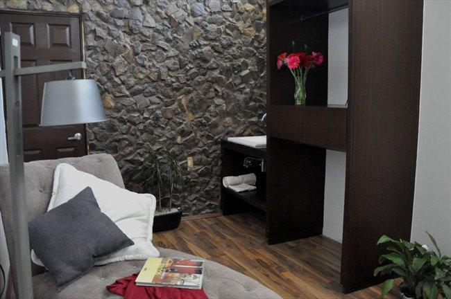 Cuartos en Renta - Querétaro - Ahora  reforma 110 cuartos con baño propio | CompartoDepa - Image 7