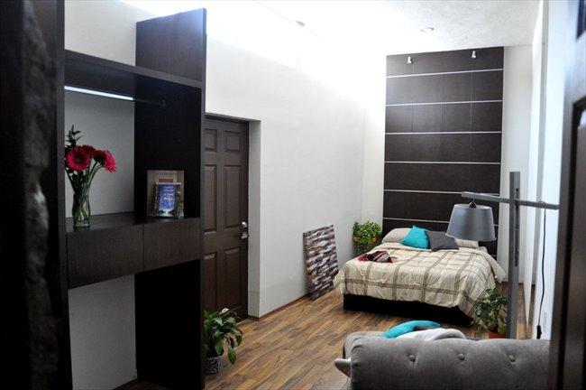 Cuartos en Renta - Querétaro - Ahora  reforma 110 cuartos con baño propio | CompartoDepa - Image 8
