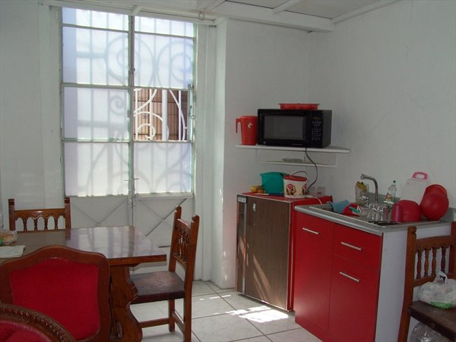 Cuartos en Renta - Puebla - Habitacion tipo Mini Depa amueblado en CENTRO de Puebla | CompartoDepa - Image 2