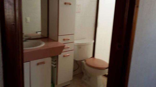 Cuarto en renta en zapopan   habitación amueblada con baños ...