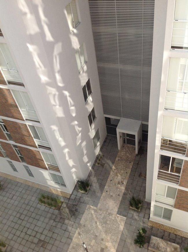Cuartos en Renta - Puebla - Habitación en bonito departamento nuevo.  | CompartoDepa - Image 1