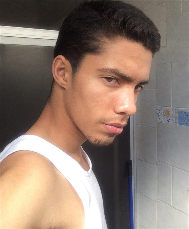 René - Estudiante - Hombre - Puebla - Image 1