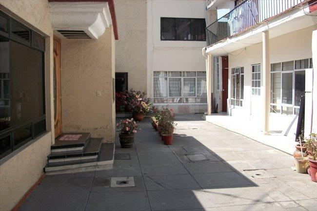 Cuartos en Renta - Ciudad de México - recamara dama, closet,  entrada y baño exclusivo | CompartoDepa - Image 2