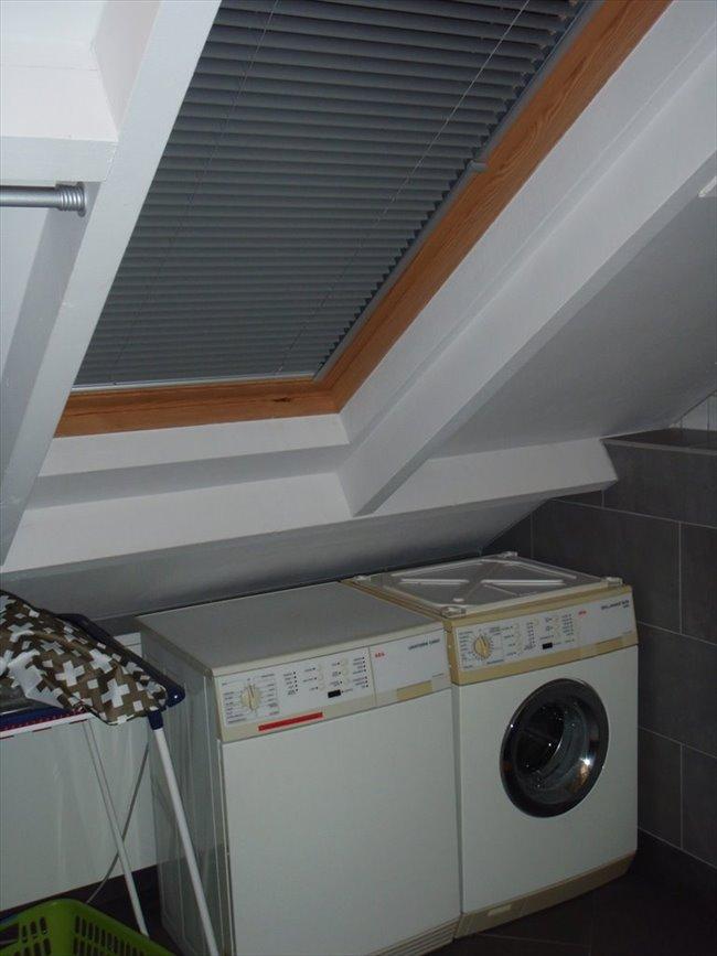 Kamers te huur in Eindhoven - Zolderverdieping met eigen keuken en badkamer | EasyKamer - Image 3