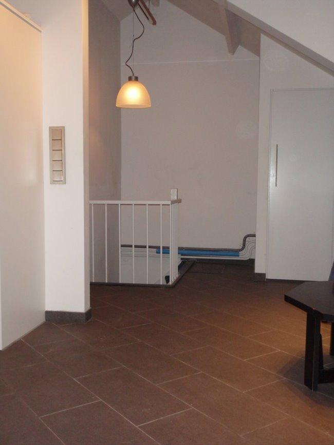 Kamers te huur in Eindhoven - Zolderverdieping met eigen keuken en badkamer | EasyKamer - Image 4