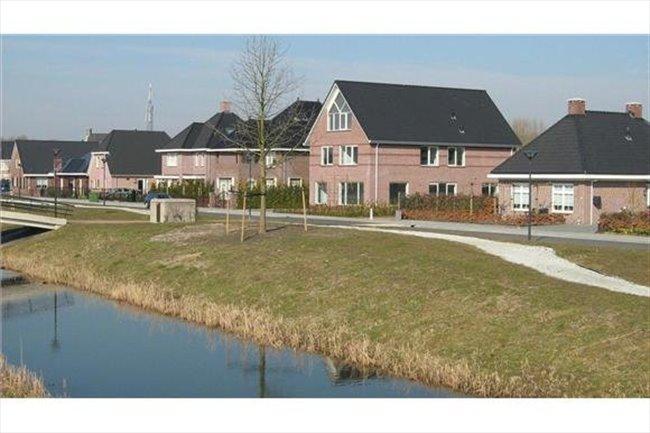 Kamers te huur in Lelystad - Luxe ruime kamer 25 m2 in vrijstaande woning | EasyKamer - Image 2