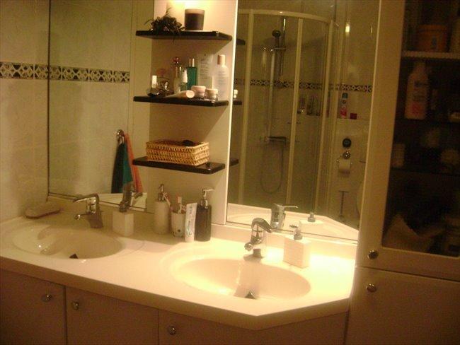 Aangeboden: een ruime en mooie kamer -  - Image 3