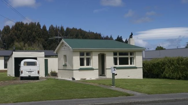 Room to rent in Invercargill - Quite mature flatmates welcome - Image 1