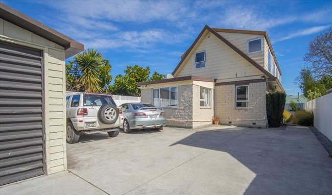 Flatshare - Christchurch - 7 Bedroom  refurbished home | EasyRoommate - Image 1