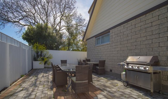 Flatshare - Christchurch - 7 Bedroom  refurbished home | EasyRoommate - Image 4