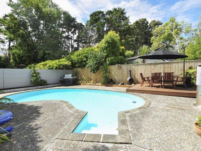 Flatshare - Wellington - 5 bedroom house with 3 bathrooms | EasyRoommate - Image 4