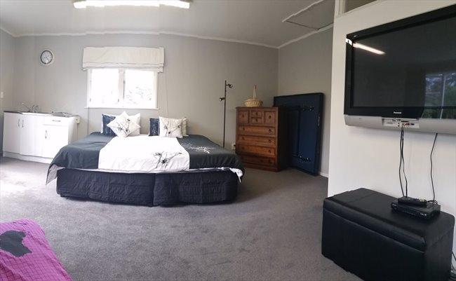 Flatshare - Wellington - 5 bedroom house with 3 bathrooms | EasyRoommate - Image 7