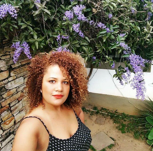 Camila Borba - Profissional - Feminino - Lisboa - Image 1