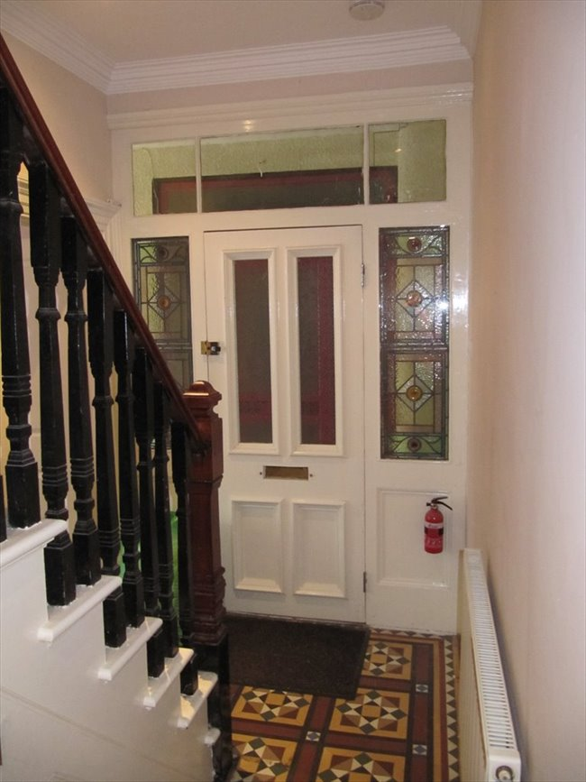 Room to rent in Rugby - Superb ensuite double  room (single occupancy) central Rugby - Image 3