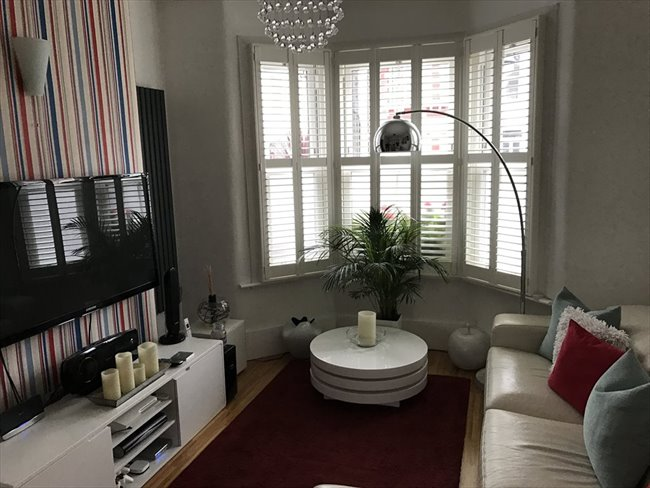Room to rent in Harlesden - Nicely  decorated  Double room in a great house - Image 1