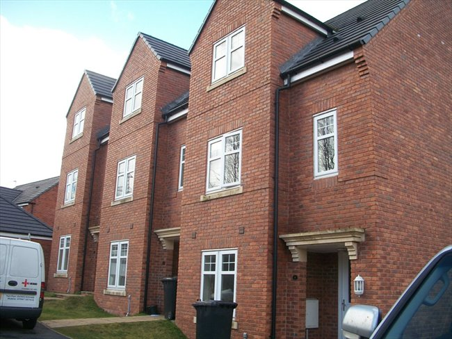 Room to rent in Leigh - Atherton:selection of rooms in new mews houses - Image 1