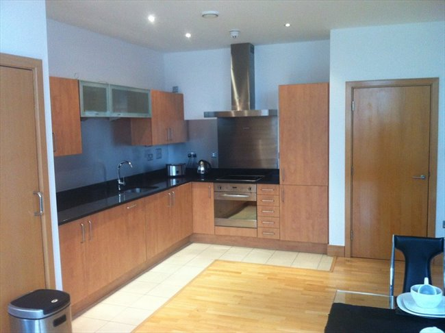 Room to rent in Liverpool - Double Room to rent in Luxury CityCentre Apartment - Image 1